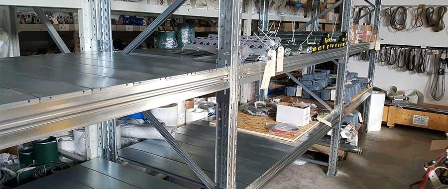Scaffali portapalle con piani zincati